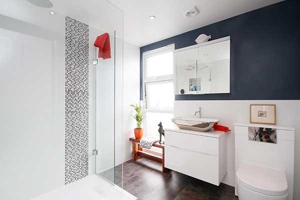 loft-conversion-ideas-extra-bathroom-small